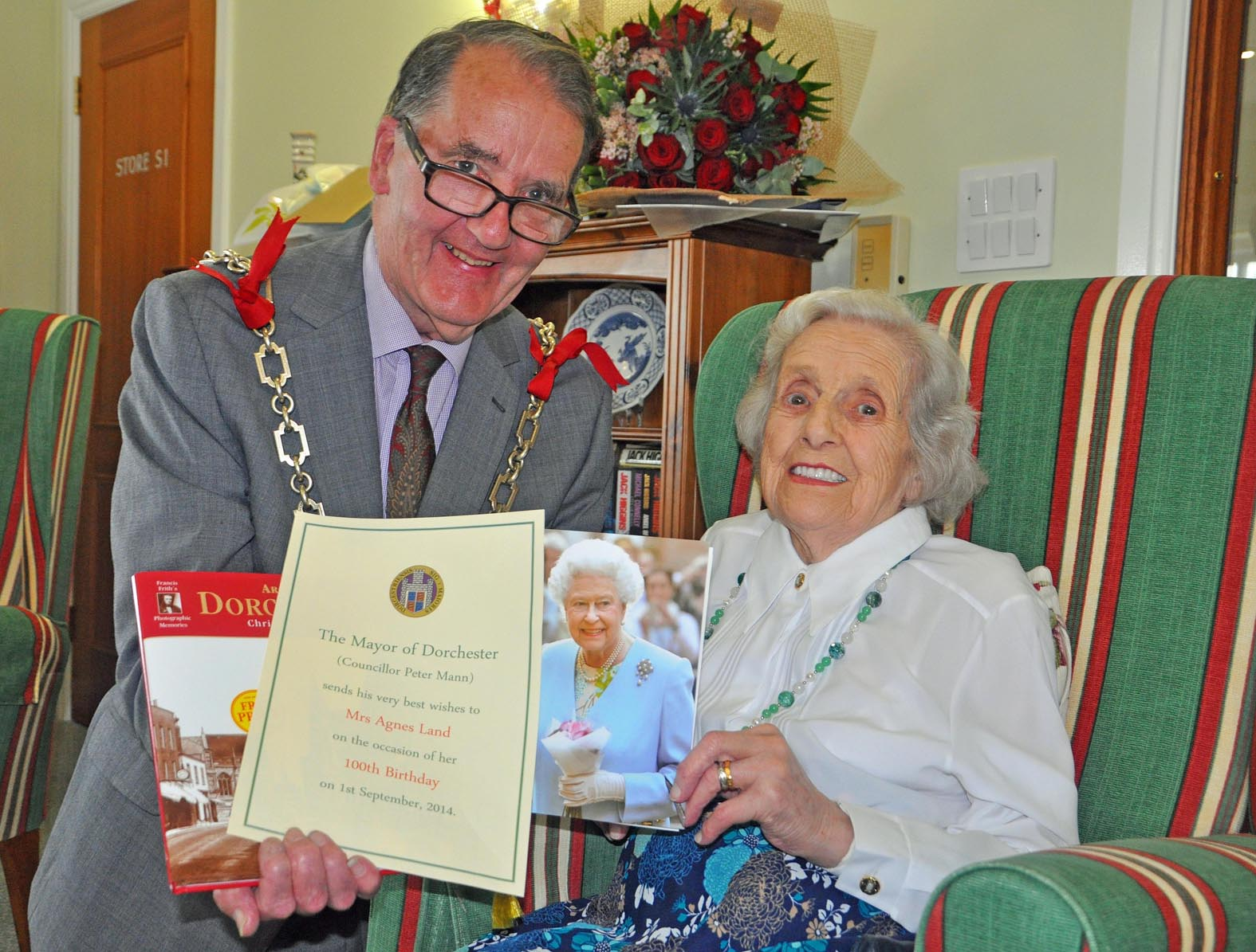 Centenarian Agnes is 100 years young at Castle View – 100 Birthday Card from Queen