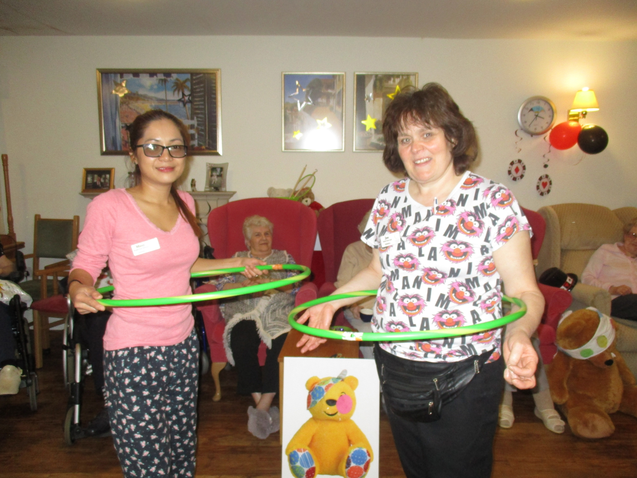 Pudsey plays indoor Games and has a Party!