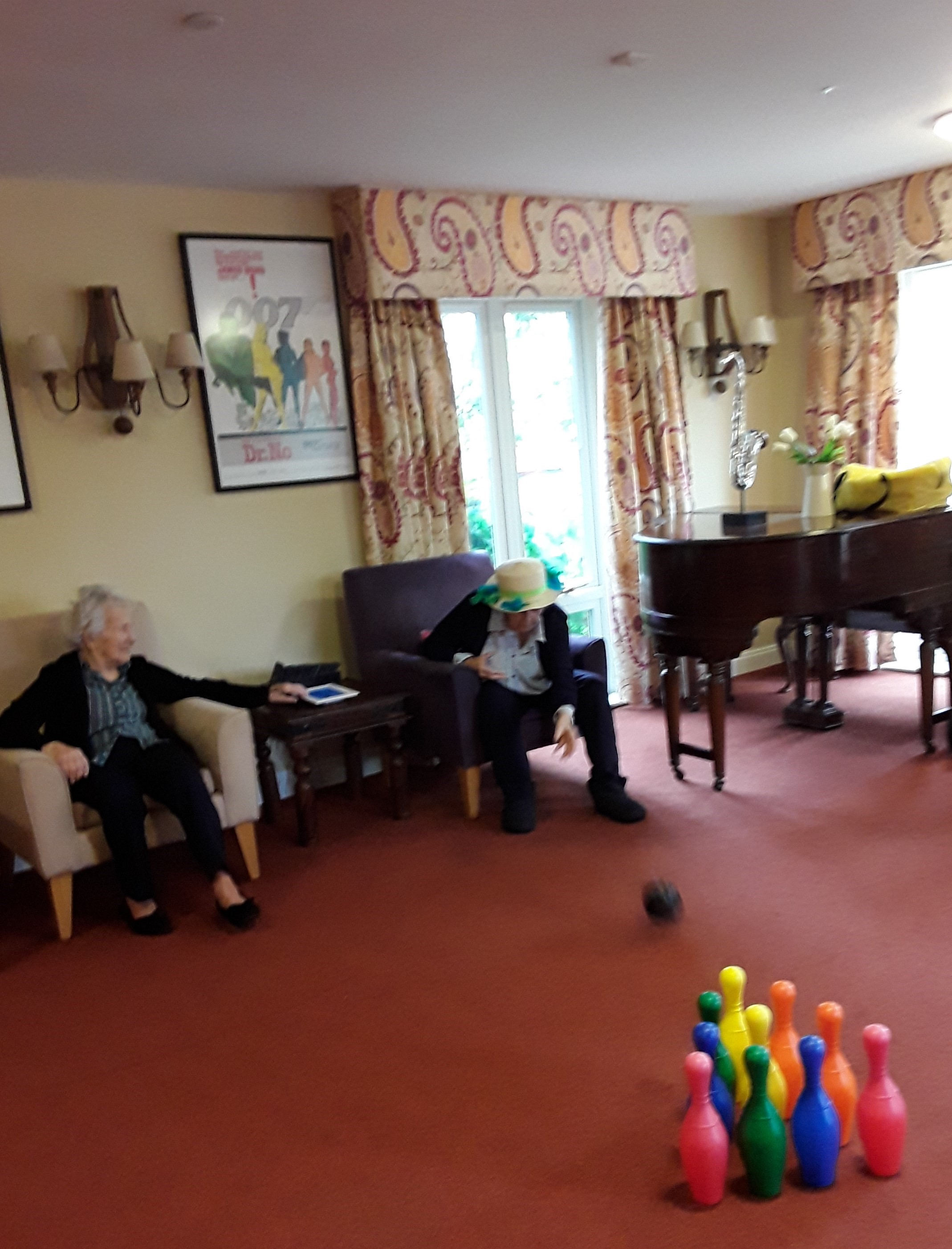 Betty and Isobel playing skittles (002)