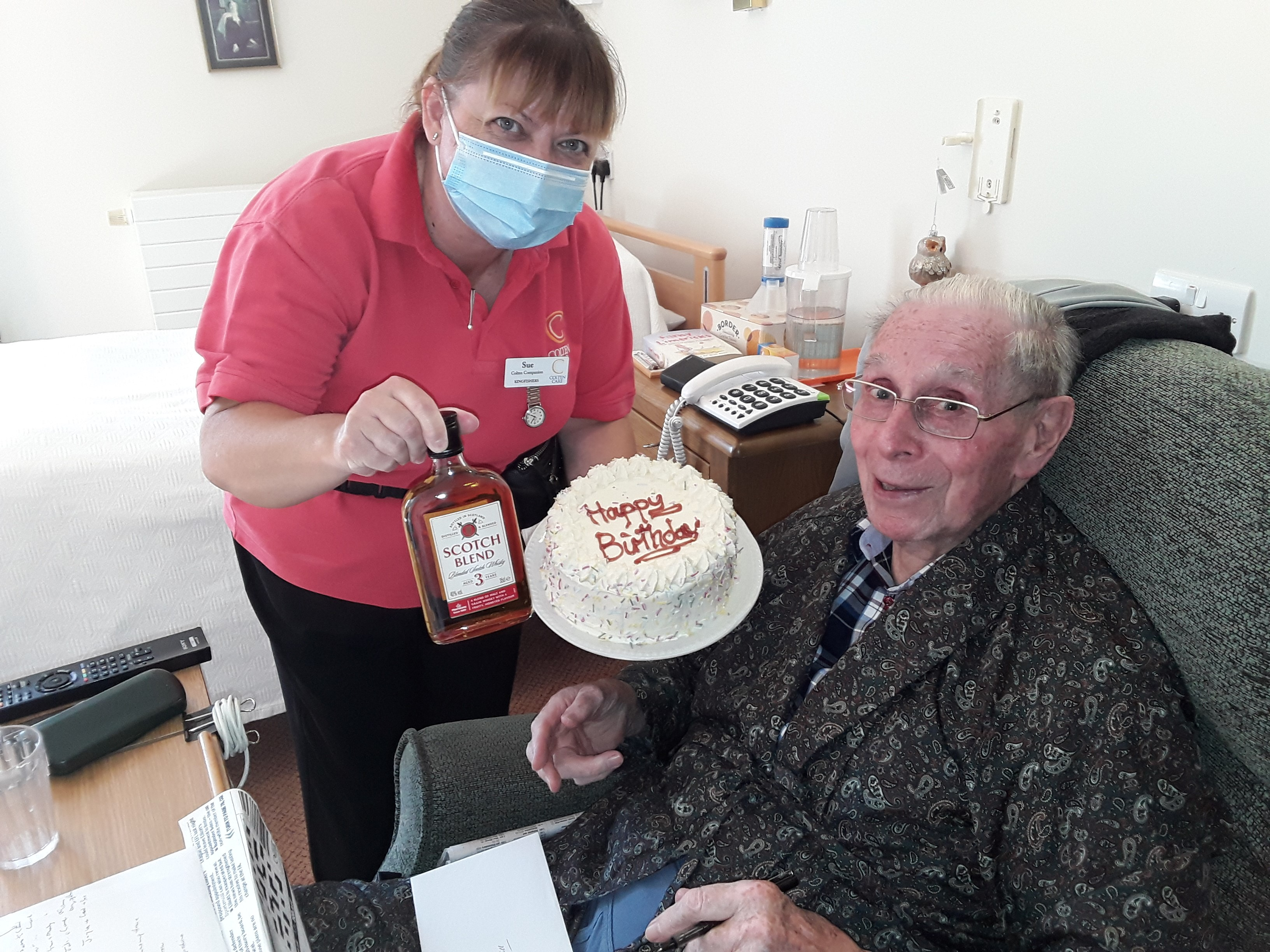 Bill receiving birthday cake (002)
