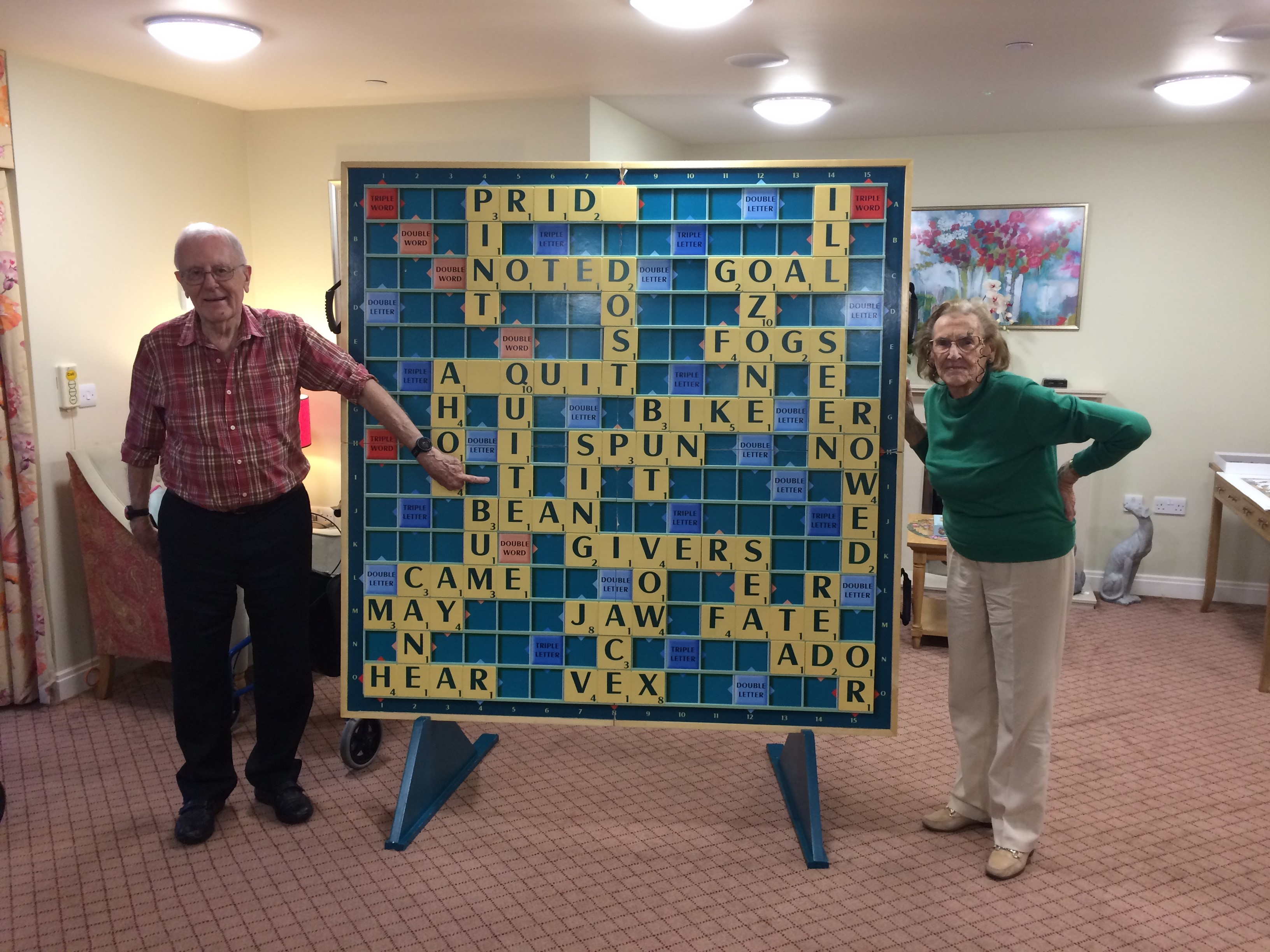 Giant Scrabble John and Valarie 2 04.02.2021 (002)